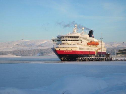 MS Nordkapp bij Kirkenes